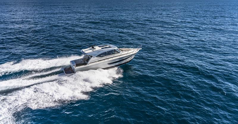 Riviera 395 SUV Running 15 - photo © Auckland On the Water Boat Show